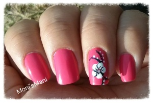 hot pink and white flower mani sun